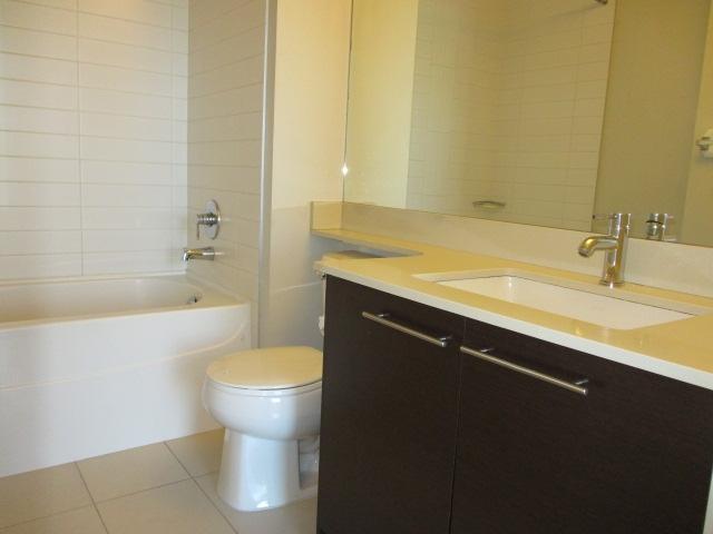 Condo Apartment at 702 13399 104TH STREET, Unit 702, North Surrey, British Columbia. Image 8