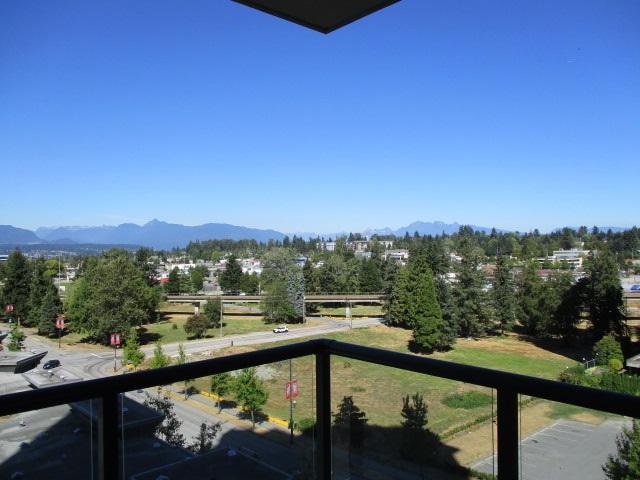Condo Apartment at 702 13399 104TH STREET, Unit 702, North Surrey, British Columbia. Image 13
