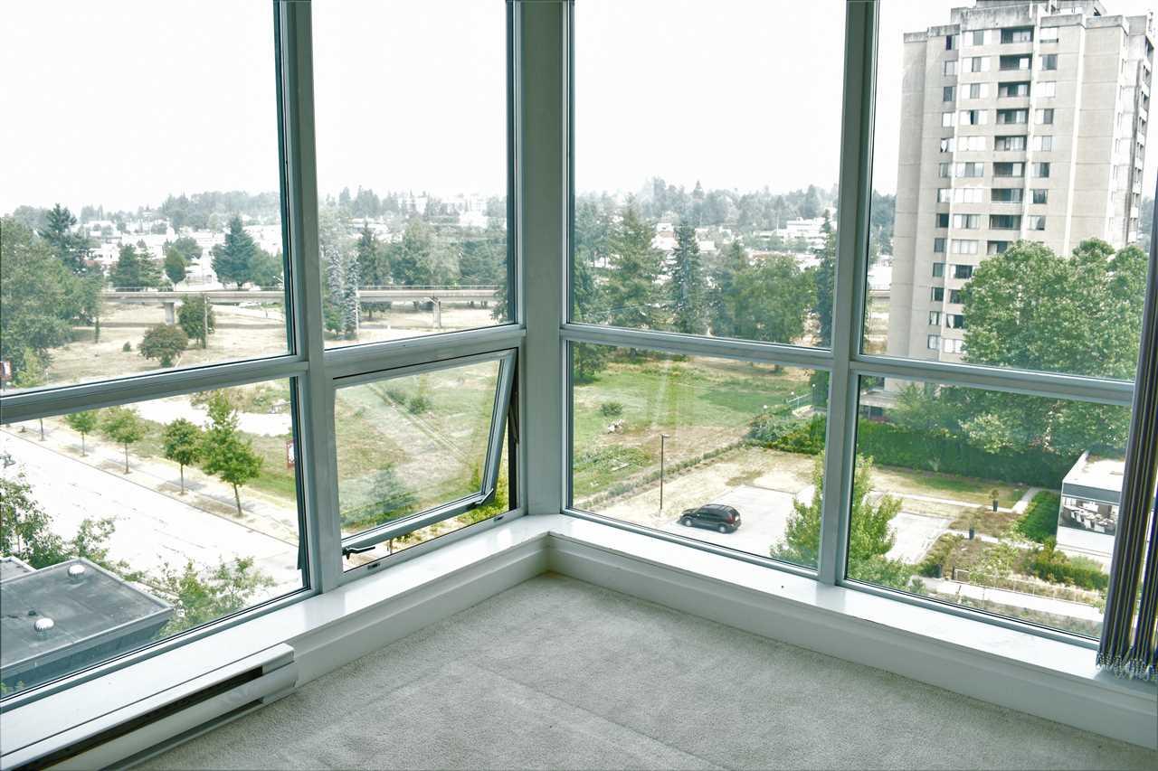 Condo Apartment at 702 13399 104TH STREET, Unit 702, North Surrey, British Columbia. Image 18