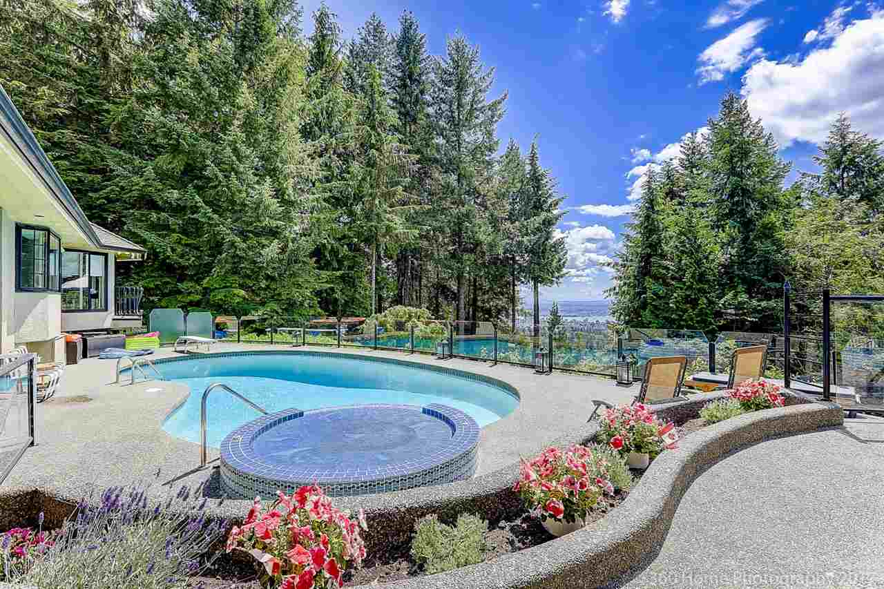 Detached at 4685 PROSPECT ROAD, North Vancouver, British Columbia. Image 3