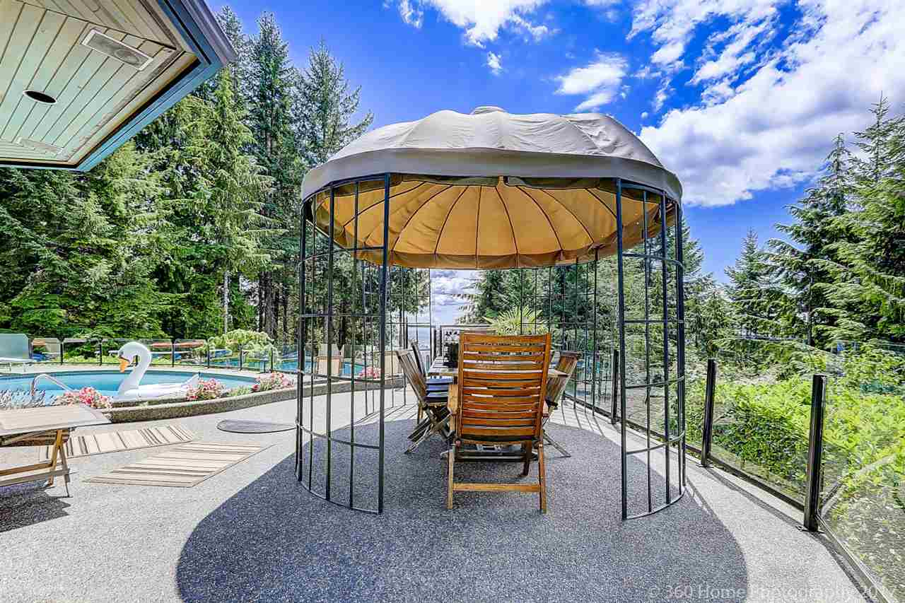 Detached at 4685 PROSPECT ROAD, North Vancouver, British Columbia. Image 4