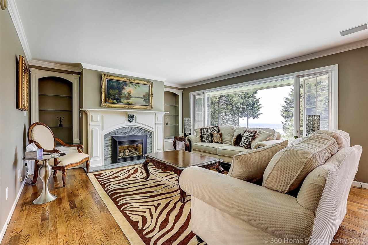Detached at 4685 PROSPECT ROAD, North Vancouver, British Columbia. Image 6