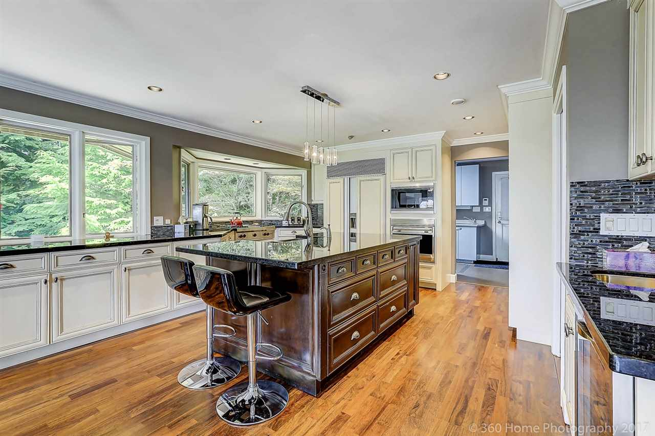 Detached at 4685 PROSPECT ROAD, North Vancouver, British Columbia. Image 7