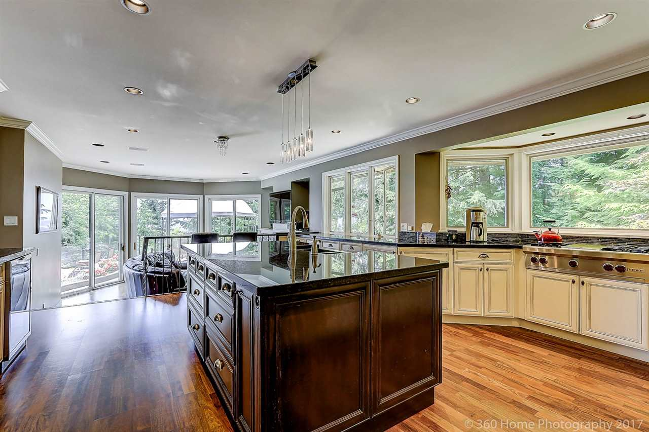 Detached at 4685 PROSPECT ROAD, North Vancouver, British Columbia. Image 8