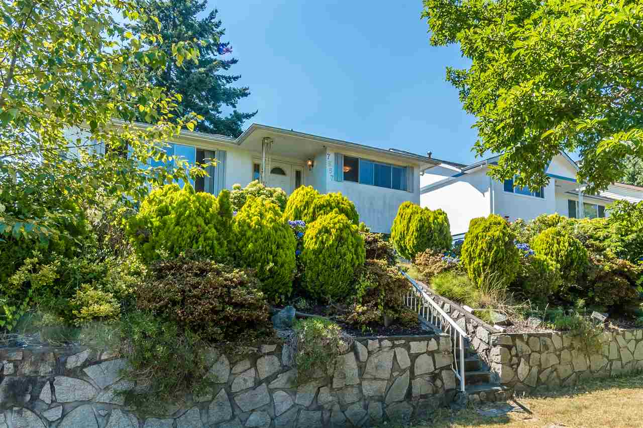 Detached at 7957 ELLIOTT STREET, Vancouver East, British Columbia. Image 1