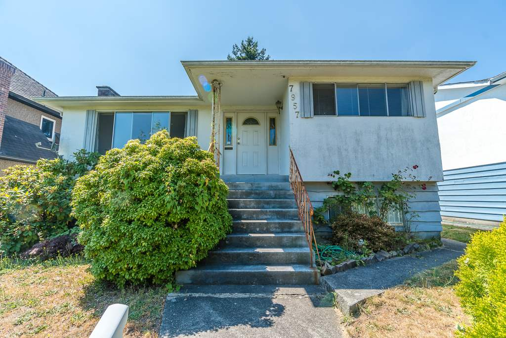 Detached at 7957 ELLIOTT STREET, Vancouver East, British Columbia. Image 2