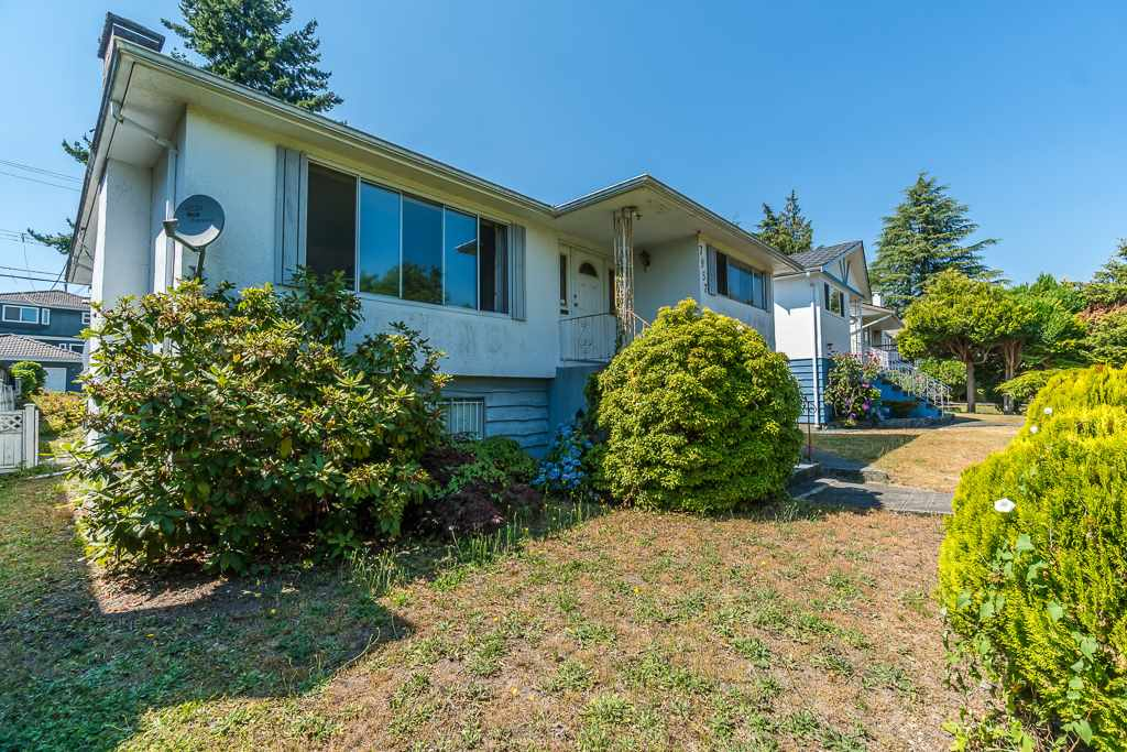 Detached at 7957 ELLIOTT STREET, Vancouver East, British Columbia. Image 3