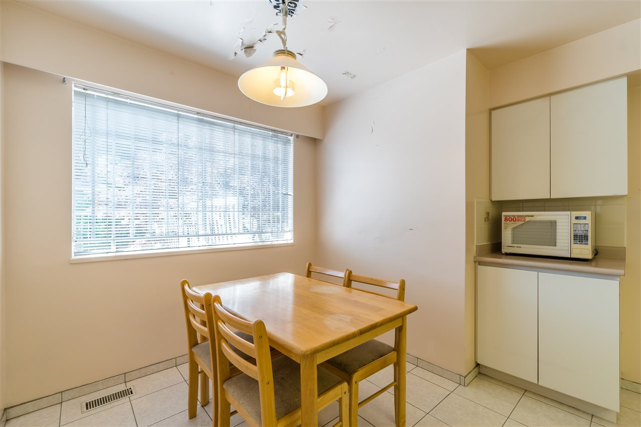Detached at 7957 ELLIOTT STREET, Vancouver East, British Columbia. Image 7