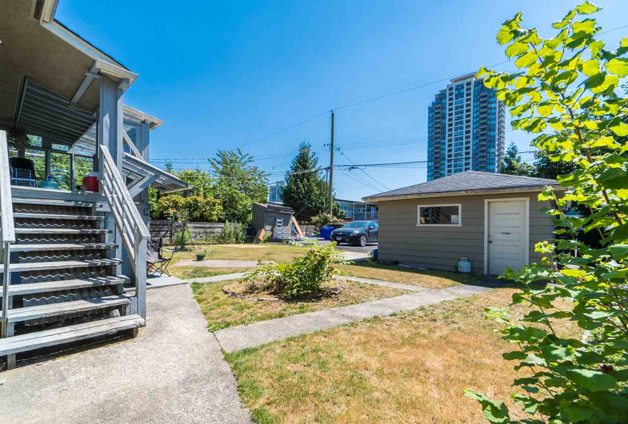 Detached at 7162 MCBRIDE STREET, Burnaby South, British Columbia. Image 3