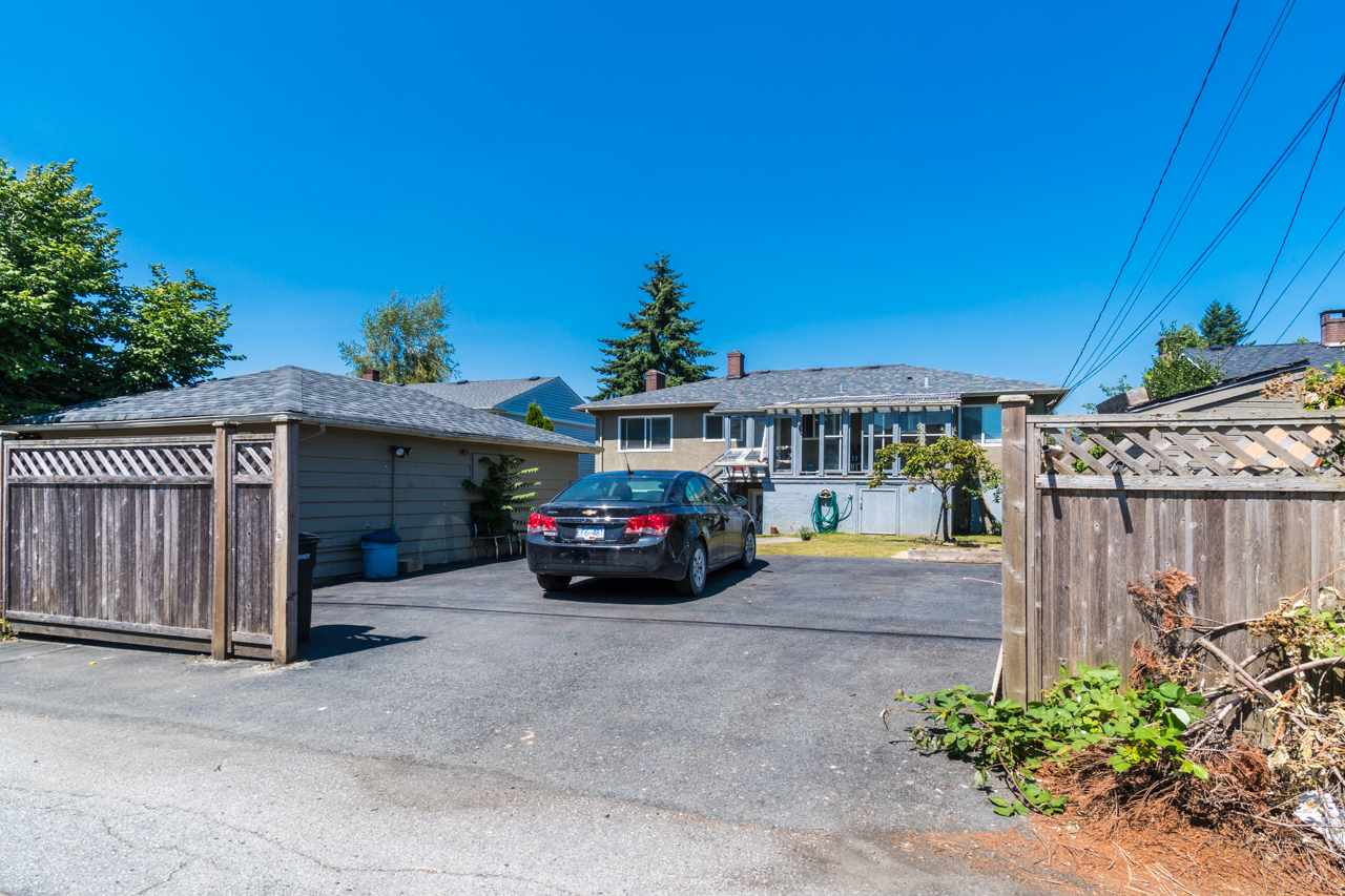 Detached at 7162 MCBRIDE STREET, Burnaby South, British Columbia. Image 4