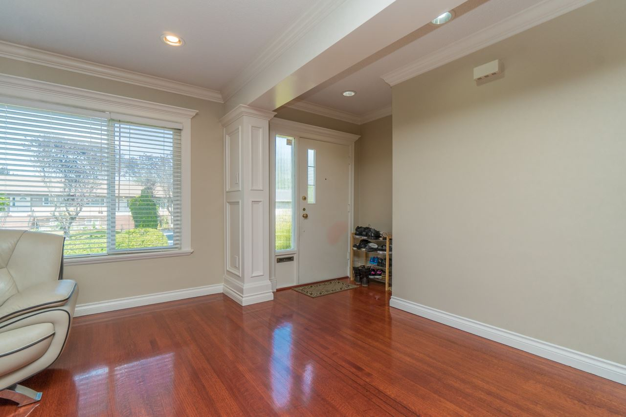 Detached at 7162 MCBRIDE STREET, Burnaby South, British Columbia. Image 7