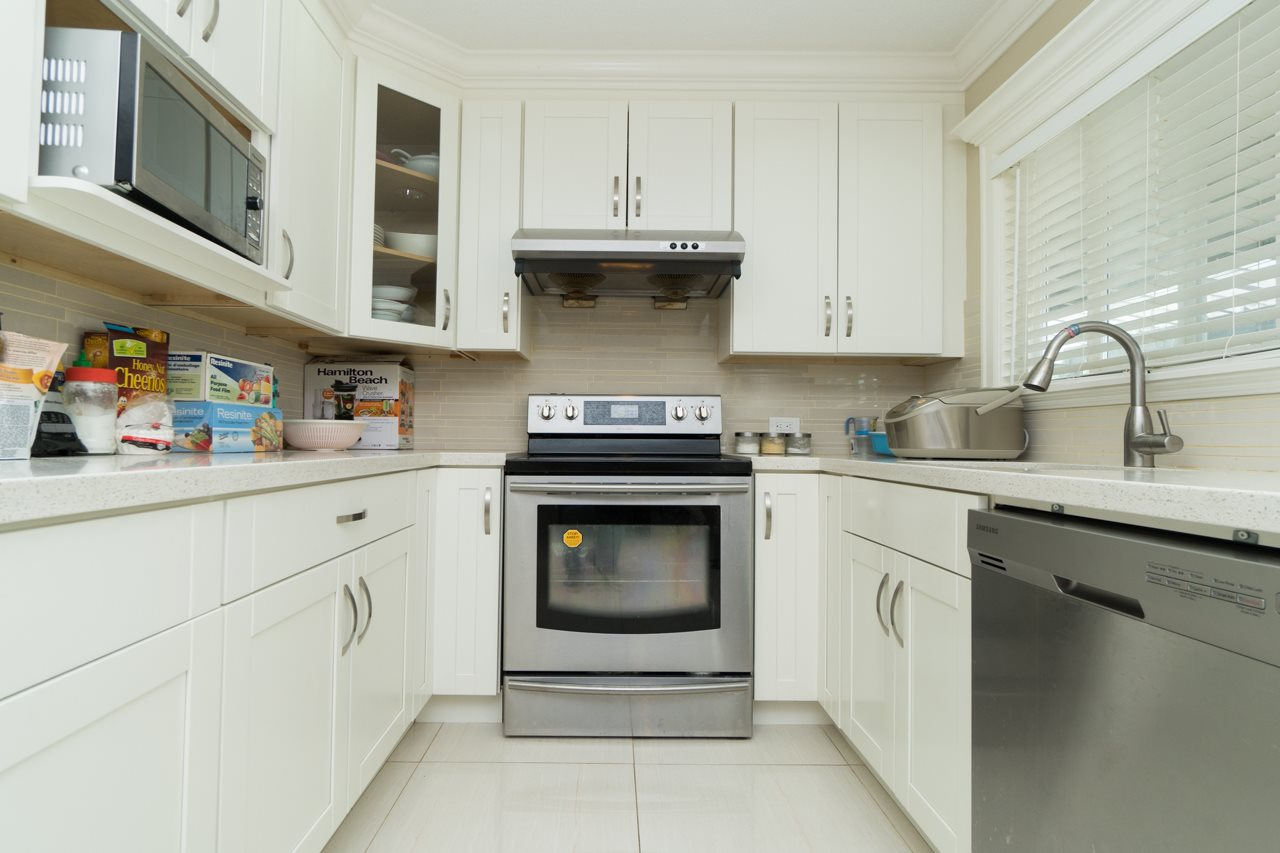 Detached at 7162 MCBRIDE STREET, Burnaby South, British Columbia. Image 12