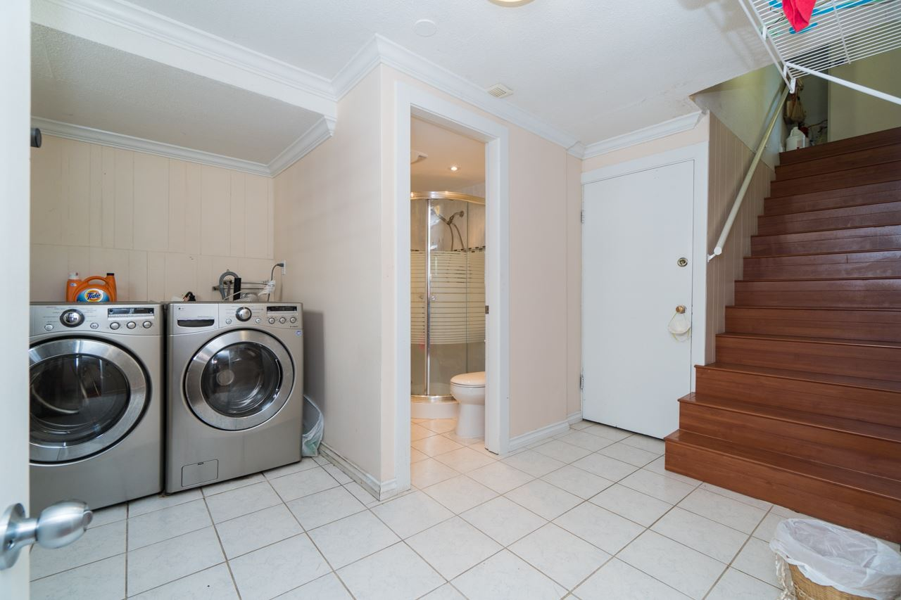 Detached at 7162 MCBRIDE STREET, Burnaby South, British Columbia. Image 17