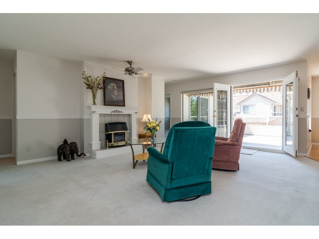 Townhouse at 226 13725 72A AVENUE, Unit 226, Surrey, British Columbia. Image 3