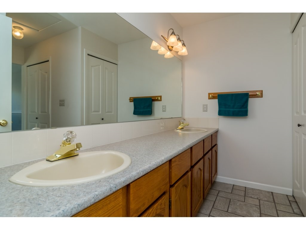 Townhouse at 226 13725 72A AVENUE, Unit 226, Surrey, British Columbia. Image 14