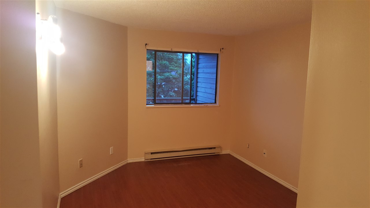 Condo Apartment at 216 5224 204 STREET, Unit 216, Langley, British Columbia. Image 5