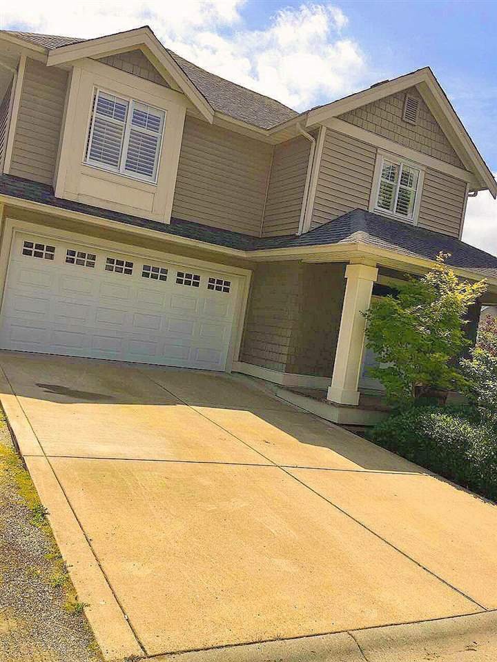 Detached at 7056 179 STREET, Cloverdale, British Columbia. Image 3