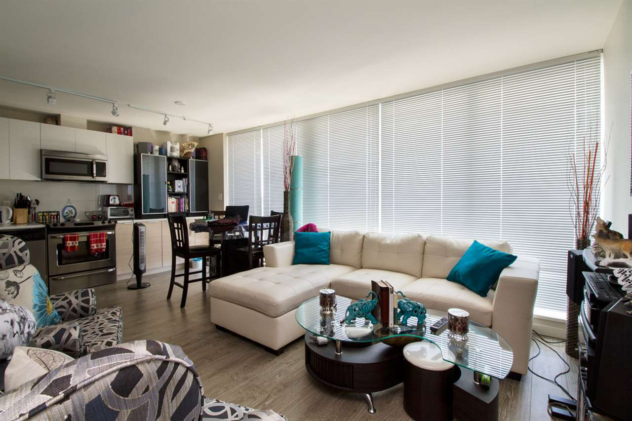 Condo Apartment at 1805 13303 103A AVENUE, Unit 1805, North Surrey, British Columbia. Image 2
