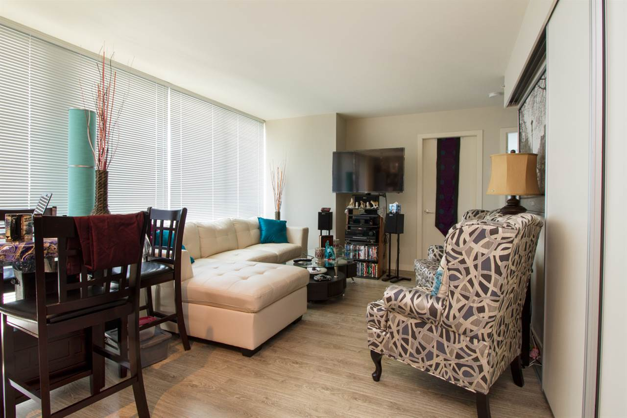 Condo Apartment at 1805 13303 103A AVENUE, Unit 1805, North Surrey, British Columbia. Image 3