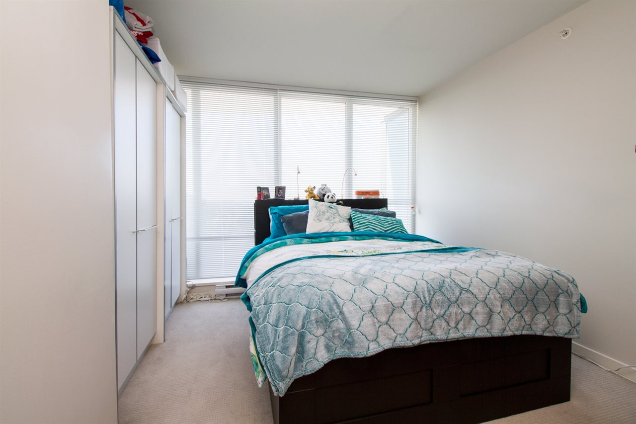 Condo Apartment at 1805 13303 103A AVENUE, Unit 1805, North Surrey, British Columbia. Image 9