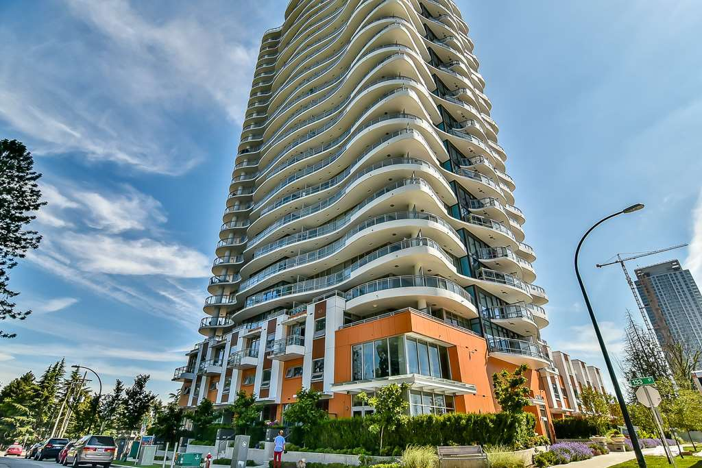 Condo Apartment at 1805 13303 103A AVENUE, Unit 1805, North Surrey, British Columbia. Image 12