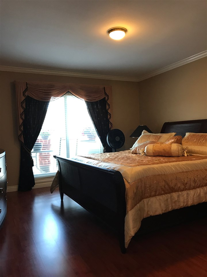 Condo Apartment at 305 13680 84 AVENUE, Unit 305, Surrey, British Columbia. Image 2