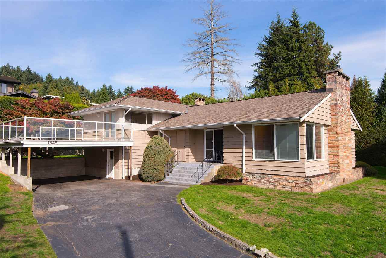 Detached at 1845 PALMERSTON AVENUE, West Vancouver, British Columbia. Image 3