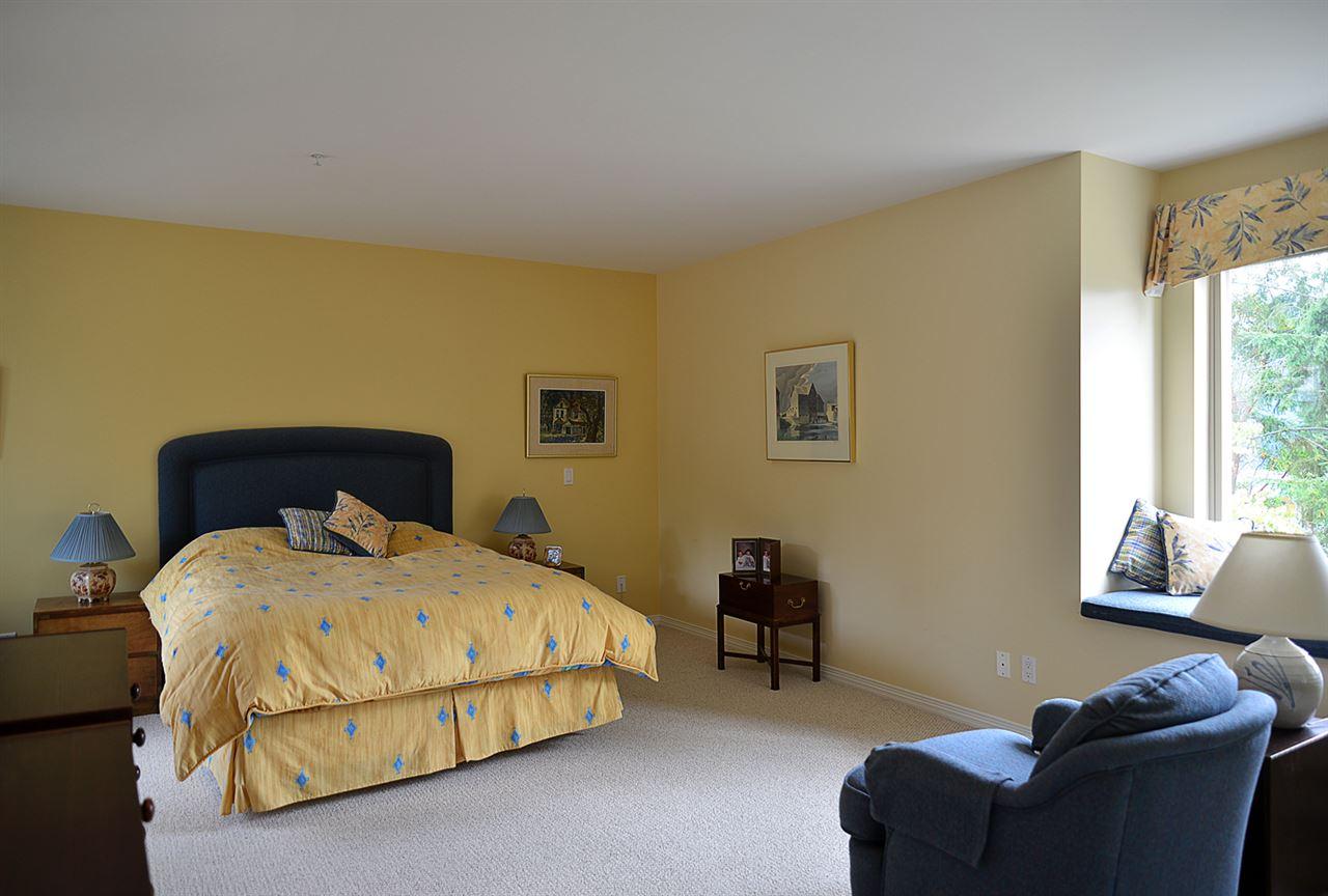 Condo Apartment at 201 5780 TRAIL AVENUE, Unit 201, Sunshine Coast, British Columbia. Image 7