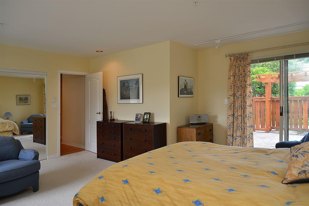 Condo Apartment at 201 5780 TRAIL AVENUE, Unit 201, Sunshine Coast, British Columbia. Image 8