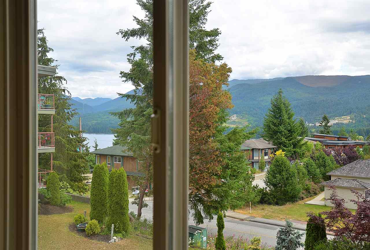 Condo Apartment at 201 5780 TRAIL AVENUE, Unit 201, Sunshine Coast, British Columbia. Image 9