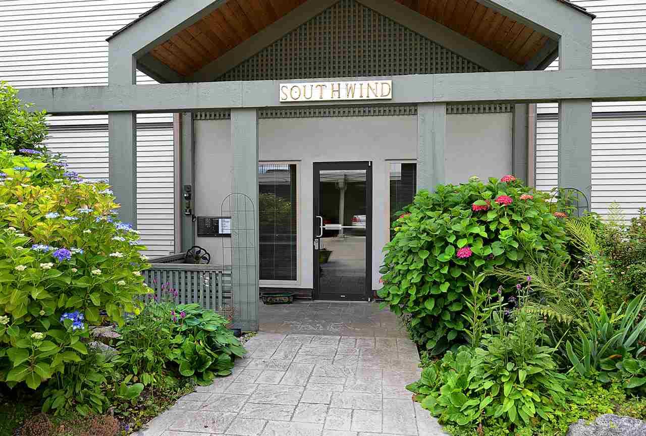 Condo Apartment at 201 5780 TRAIL AVENUE, Unit 201, Sunshine Coast, British Columbia. Image 20