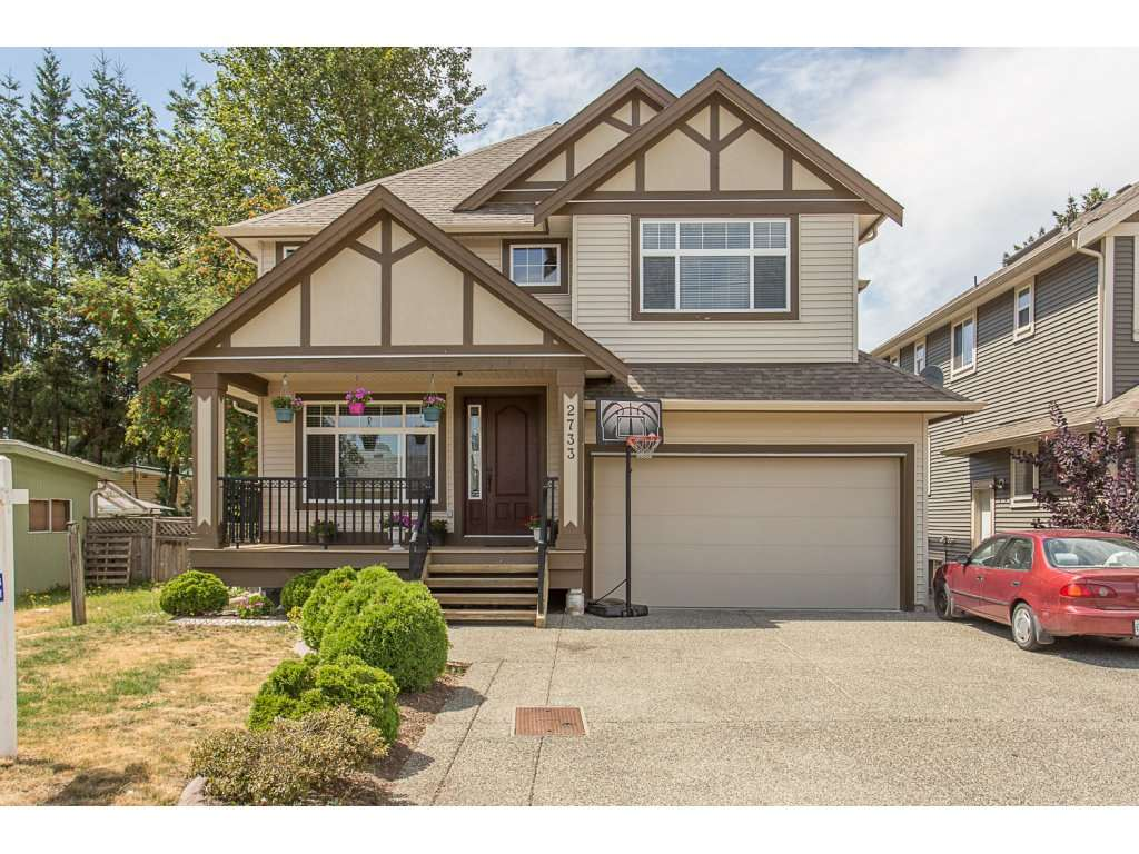 Detached at 2733 VICTORIA STREET, Abbotsford, British Columbia. Image 1