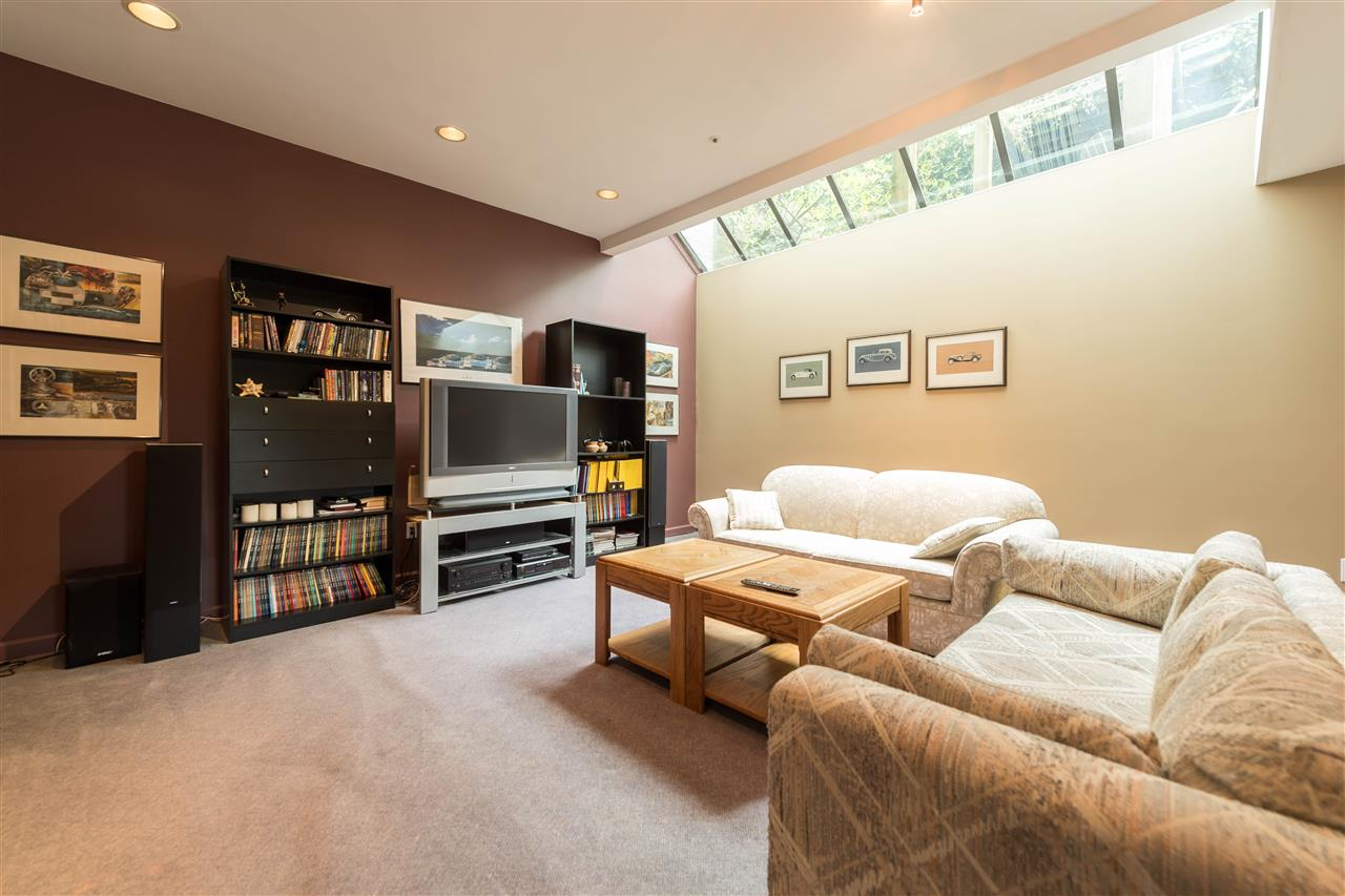 Detached at 4612 PUGET DRIVE, Vancouver West, British Columbia. Image 13