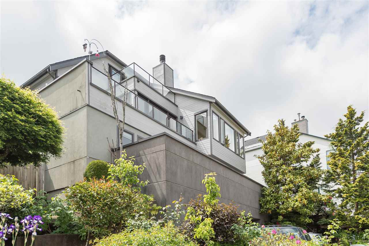 Detached at 4612 PUGET DRIVE, Vancouver West, British Columbia. Image 15