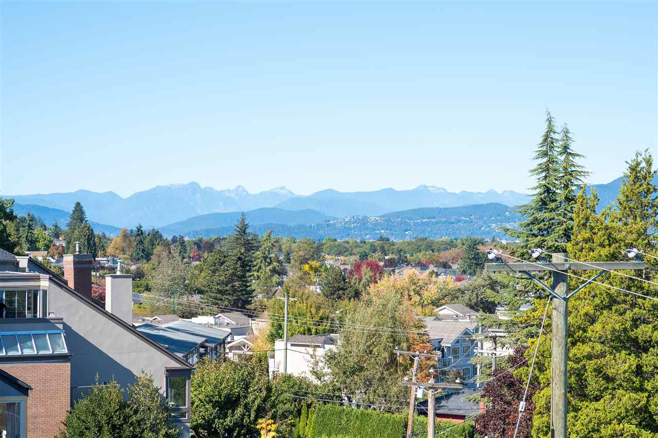 Detached at 4612 PUGET DRIVE, Vancouver West, British Columbia. Image 18
