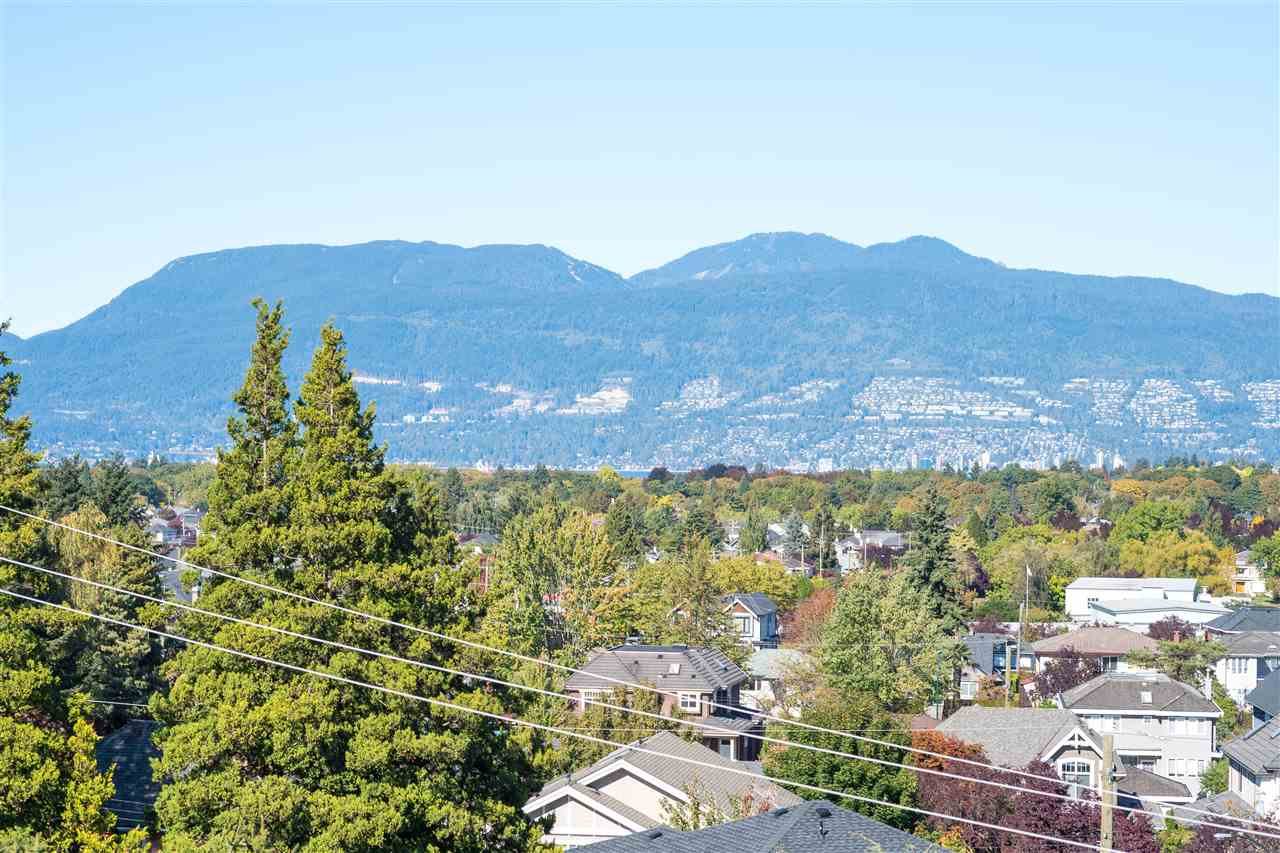 Detached at 4612 PUGET DRIVE, Vancouver West, British Columbia. Image 19