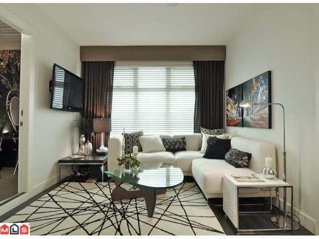 Condo Apartment at L101 13468 KING GEORGE BOULEVARD, Unit L101, North Surrey, British Columbia. Image 2