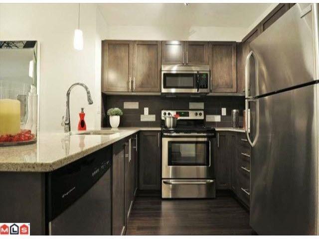 Condo Apartment at L101 13468 KING GEORGE BOULEVARD, Unit L101, North Surrey, British Columbia. Image 3