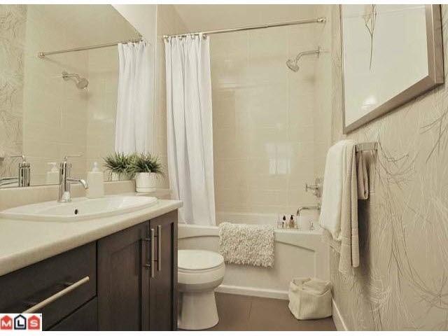 Condo Apartment at L101 13468 KING GEORGE BOULEVARD, Unit L101, North Surrey, British Columbia. Image 8