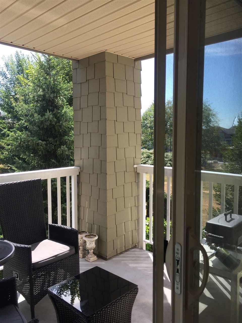 Condo Apartment at 204 6500 194 STREET, Unit 204, Cloverdale, British Columbia. Image 6