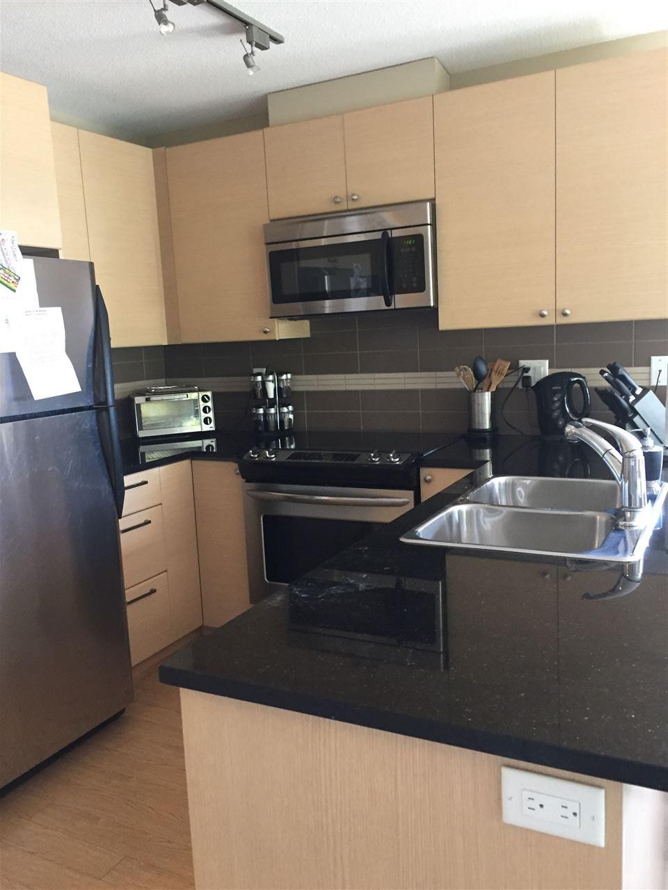 Condo Apartment at 204 6500 194 STREET, Unit 204, Cloverdale, British Columbia. Image 8