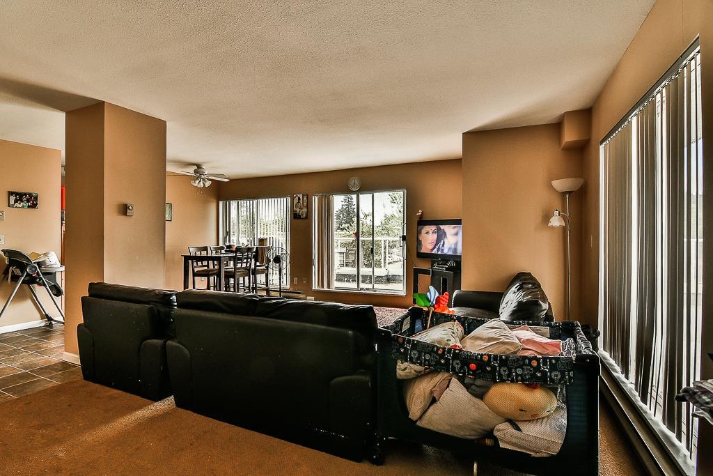Condo Apartment at 214 13771 72A AVENUE, Unit 214, Surrey, British Columbia. Image 2