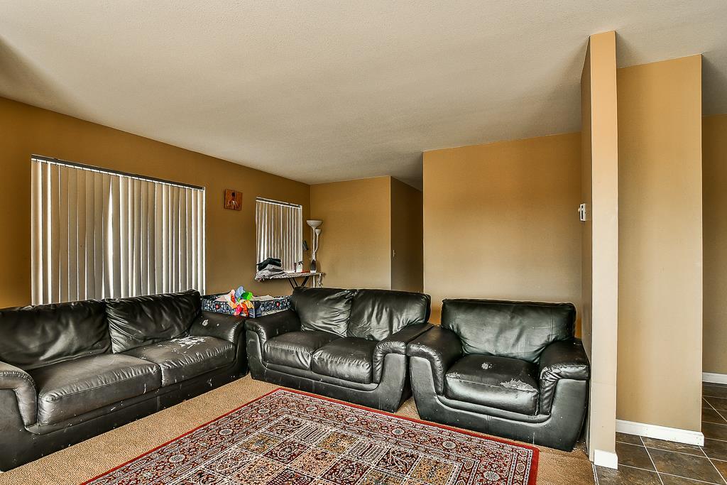 Condo Apartment at 214 13771 72A AVENUE, Unit 214, Surrey, British Columbia. Image 3