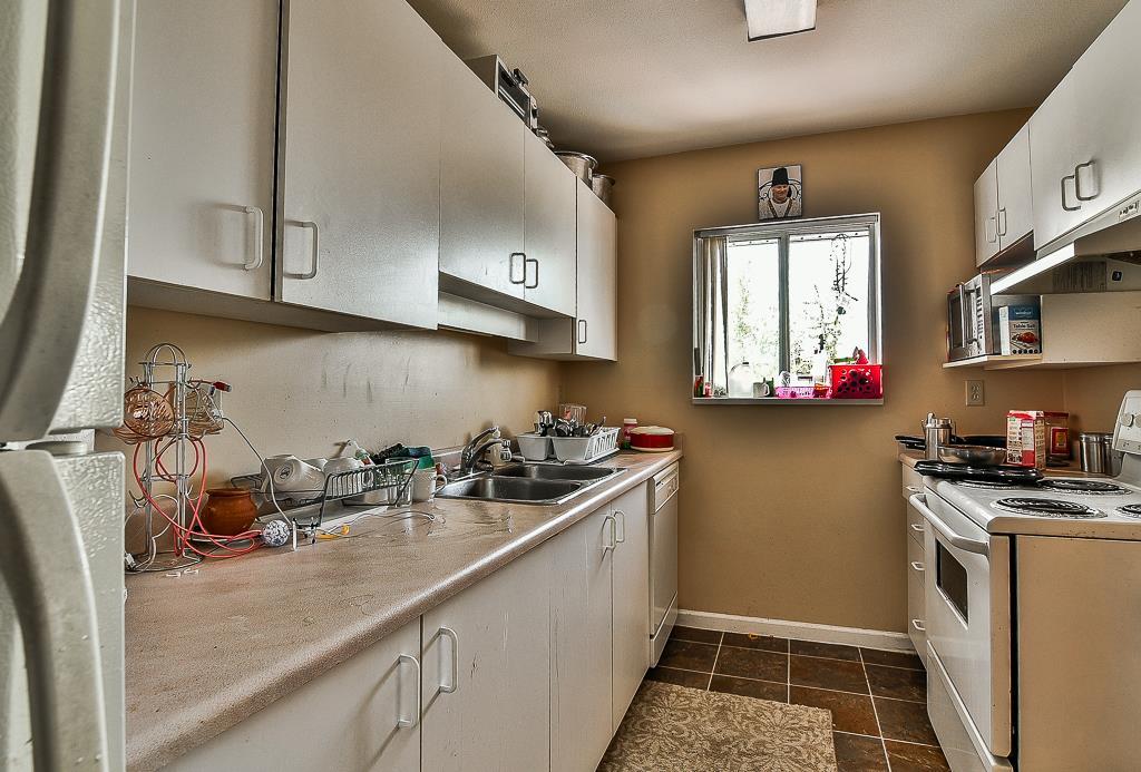 Condo Apartment at 214 13771 72A AVENUE, Unit 214, Surrey, British Columbia. Image 6