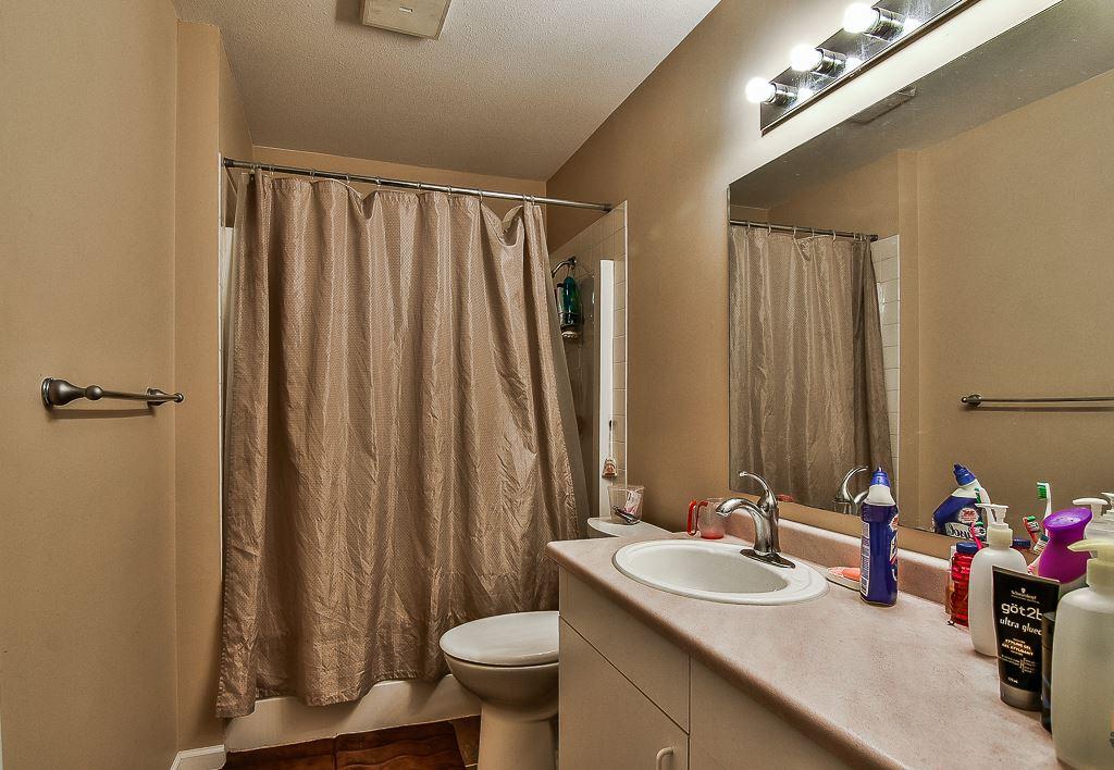 Condo Apartment at 214 13771 72A AVENUE, Unit 214, Surrey, British Columbia. Image 11