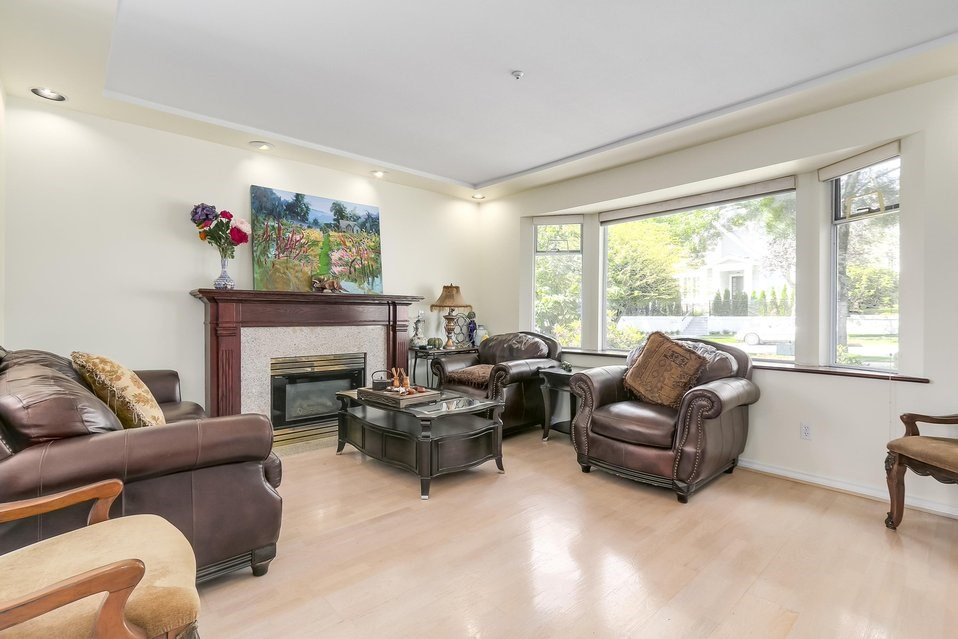 Detached at 2410 W 19TH AVENUE, Vancouver West, British Columbia. Image 3