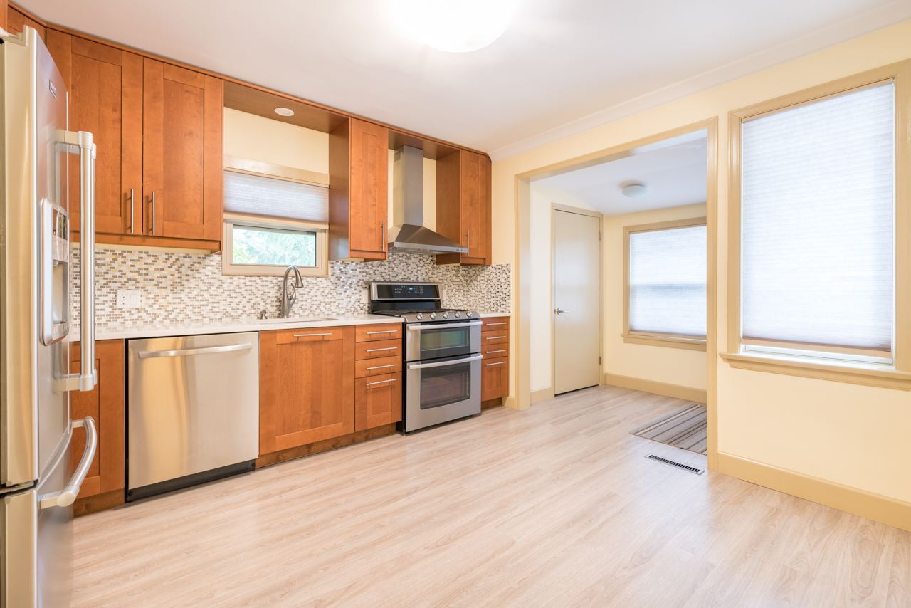 Detached at 1095 E 29TH STREET, North Vancouver, British Columbia. Image 4