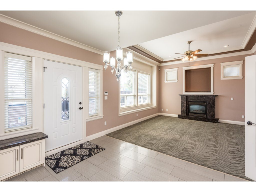 Detached at 7962 SE 18TH AVENUE, Burnaby East, British Columbia. Image 11