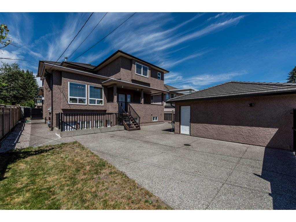 Detached at 7962 SE 18TH AVENUE, Burnaby East, British Columbia. Image 19