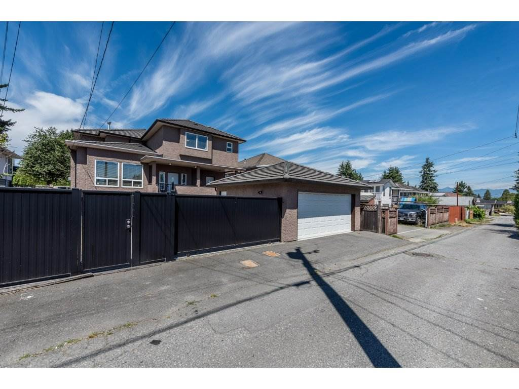 Detached at 7962 SE 18TH AVENUE, Burnaby East, British Columbia. Image 20
